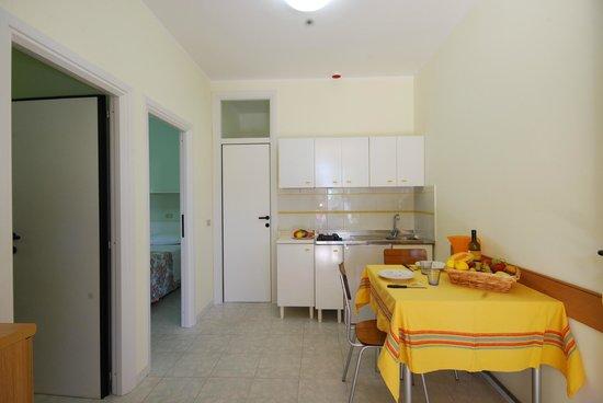 Verde Cupra: interno bungalow in muratura