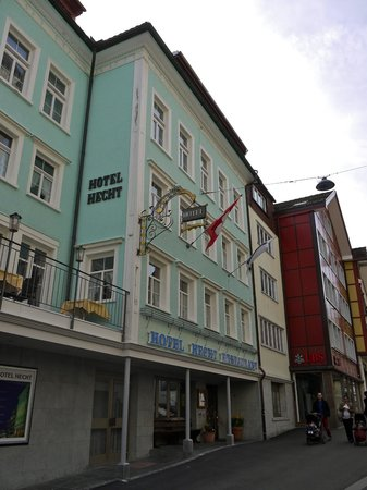 Hotel Hecht Appenzell: Hotel Hecht from the street