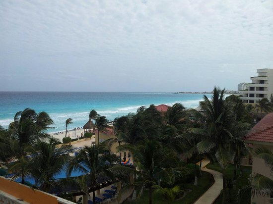 Crown Paradise Club Cancun: En los pasillos del hotel.