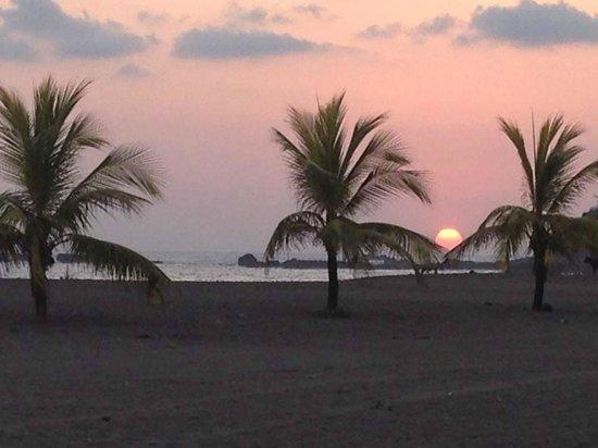 Bahia Encantada: Sunset from the pool area