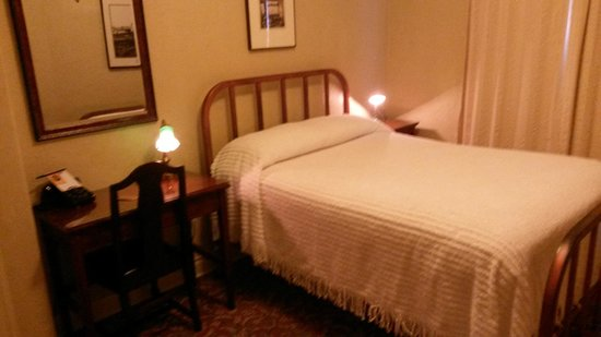 The Historic Hotel Congress: Single Bed