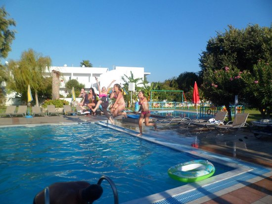 Lenaki : A lovely family friendly hotel