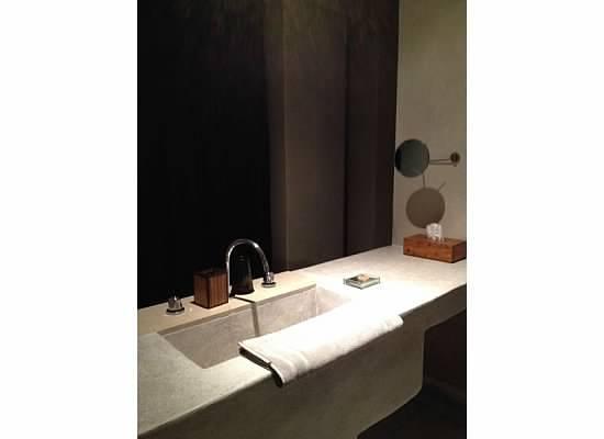 Hôtel Dar Sabra Marrakech : Bathroom vanity