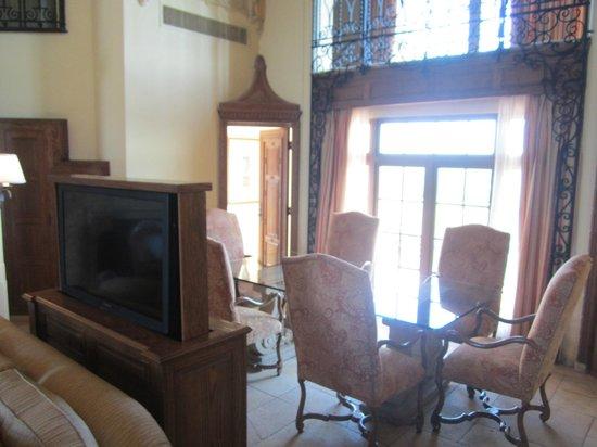 The Biltmore Hotel Miami Coral Gables: Retractable TV