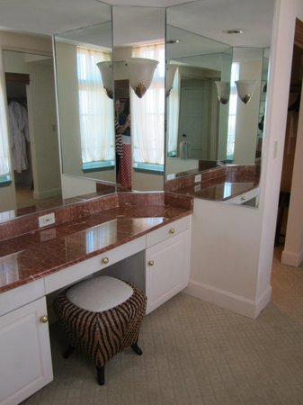 The Biltmore Hotel Miami Coral Gables: Master dressing area