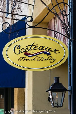 Costeaux French Bakery: Logo and Sign