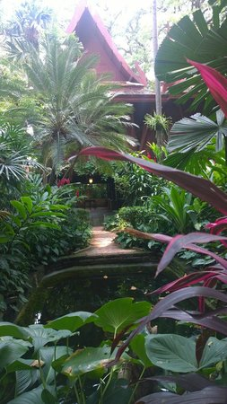 Jim-Thompson-Haus: Exterior grounds