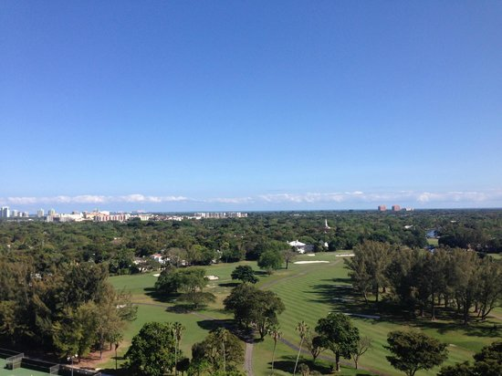 The Biltmore Hotel Miami Coral Gables : View from a different balcony