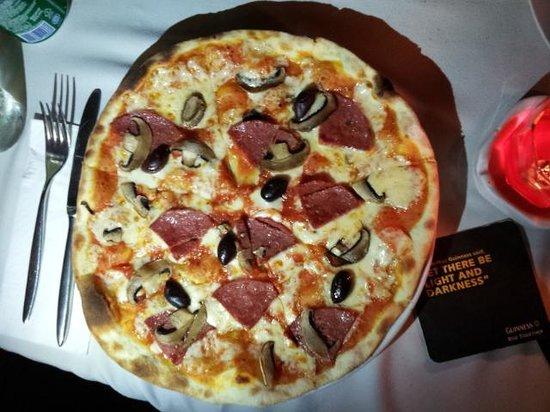 L'Osteria: the pizza!