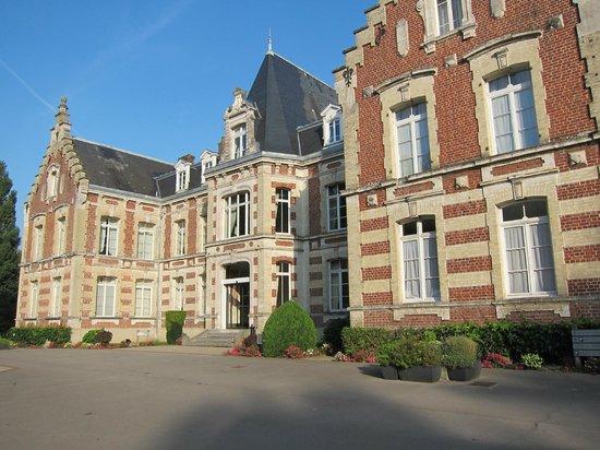 Hôtel Château Tilques : The main building