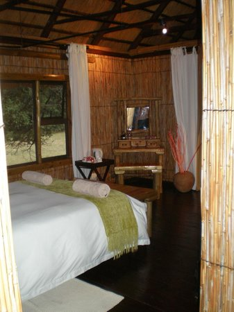 Makhasa Game Reserve and Lodge: Dressing table
