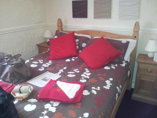 Atlantis Hotel: extra comfy bed