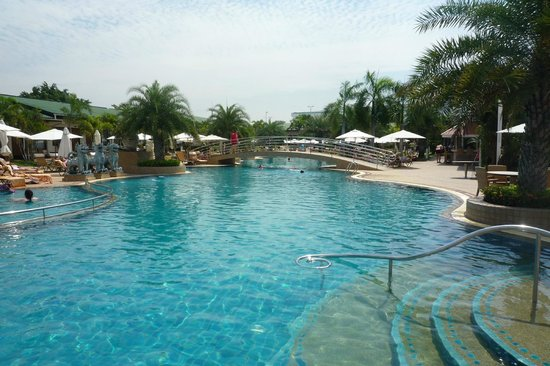 Thai Garden Resort: zwembad