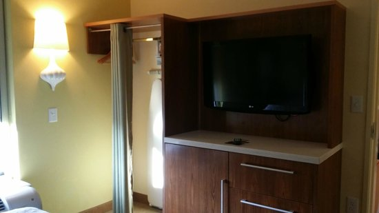 Home2 Suites By Hilton Fayetteville NC Bedroom