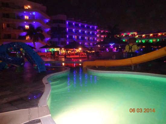 Hurghada SeaGull Beach Resort : Вечером