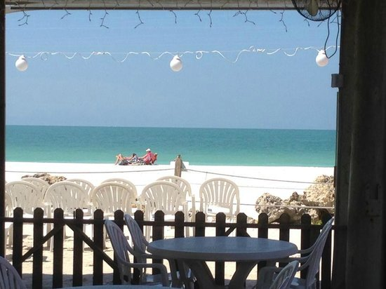 Beach House Restaurant: Great Dining View