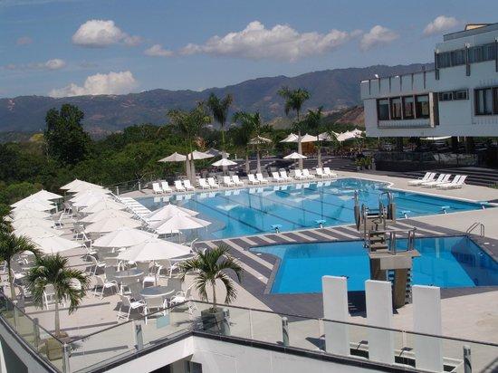 Hotel Club Campestre de Bucaramanga: Piscinas