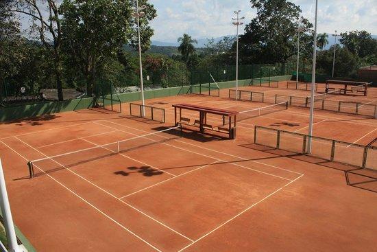 Hotel Club Campestre de Bucaramanga: Canchas de Tenis