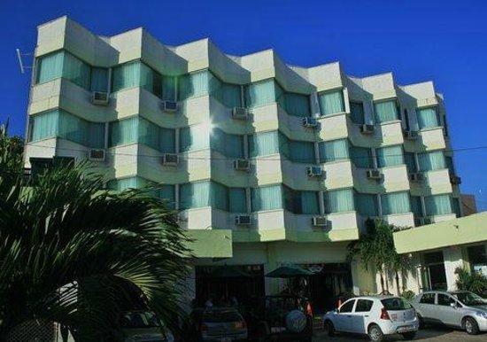 Hotel Plaza Cozumel: Front of Hotel