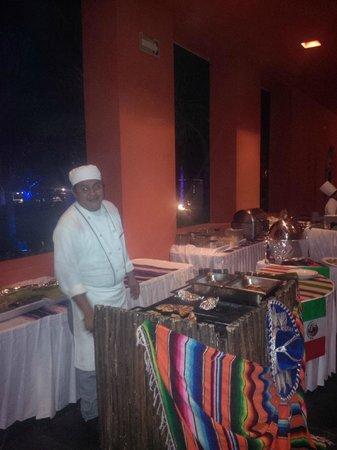 Secrets Silversands Riviera Cancun: Mexican Fiesta night