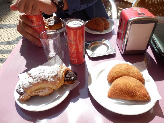 Cafeteria Sao Nicolau: Lunch!