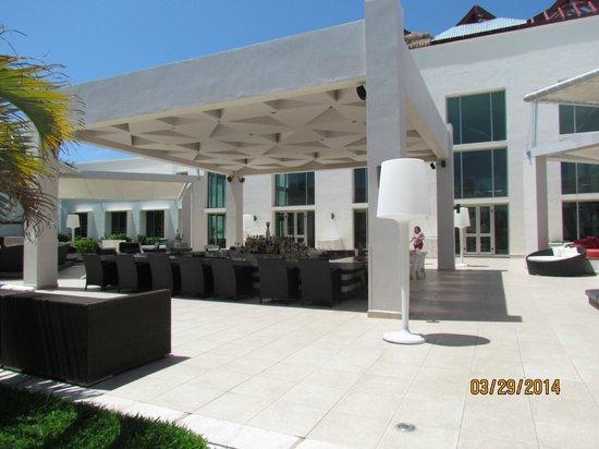 Secrets Silversands Riviera Cancun: Veranda Bar