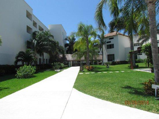 Secrets Silversands Riviera Cancun: beautiful grounds