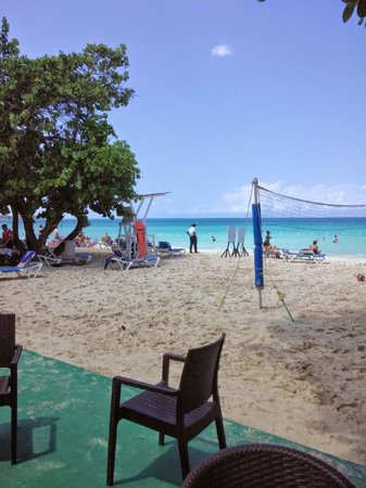 Grand Pineapple Beach Negril: beach