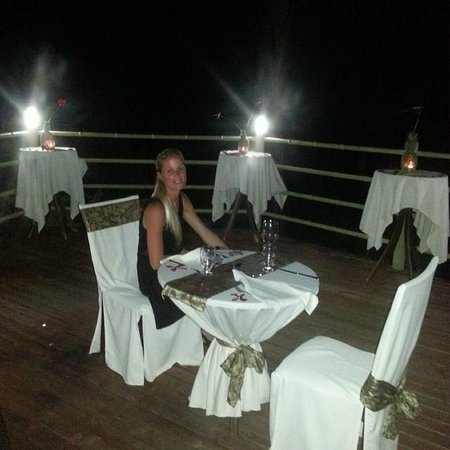 Issimo Suites Boutique Hotel and Spa : Our waiter Dixon made our last night so romantic. Bottom deck all to ourselves