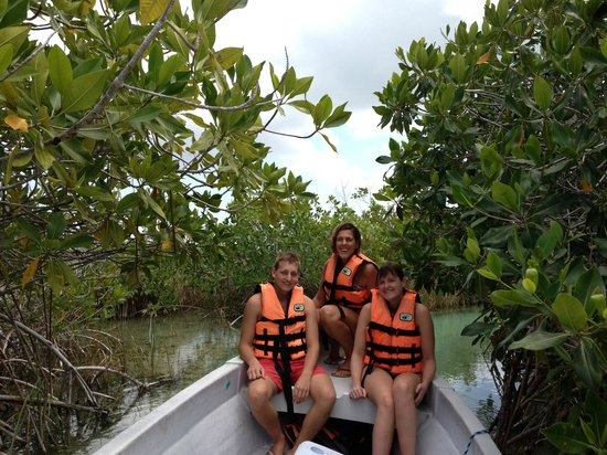 Riviera Adventours : boat trip through the canal
