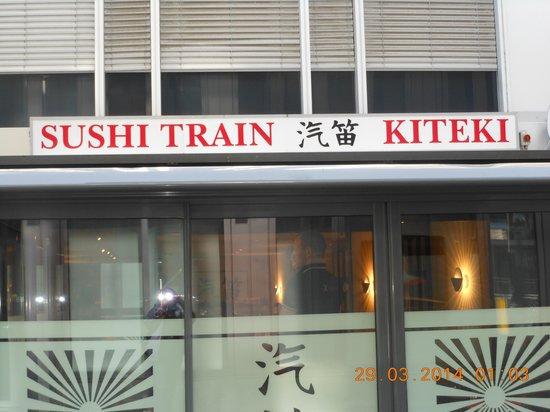 Place Bourg du Four: sushi train restaurant