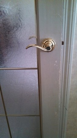 Comfort Inn & Suites : Sad looking door