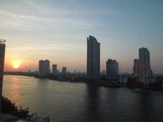 Ramada Plaza Bangkok Menam Riverside : Blick vom Zimmer