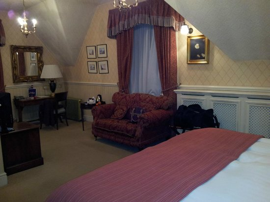 Crewe Hall: Upgrade room in old house
