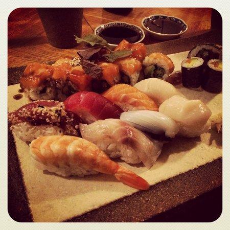 Sushi at Omoni
