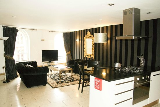 Posh Pads Liverpool ONE: Living Room