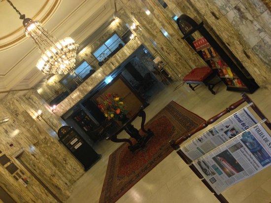 Hotel OK: Reception
