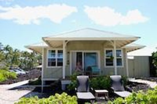 Lava Lava Beach Club Cottages : Cottage Front