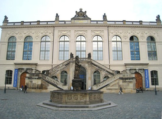 Transport Museum Dresden: Gorgeous facade