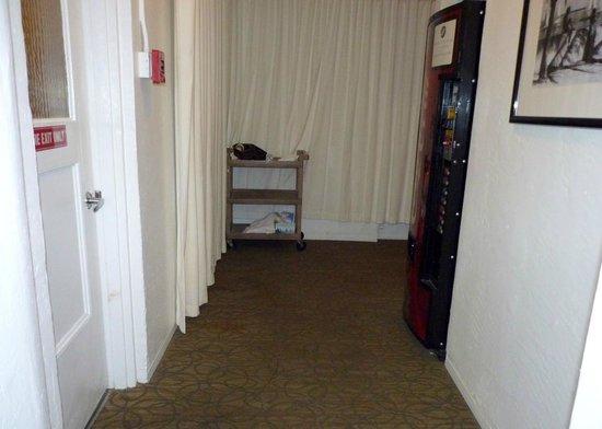 Avalon Hotel : Corridor