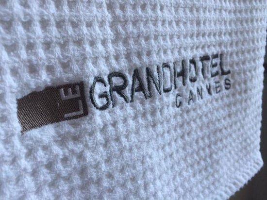 Le Grand Hotel: Une serviette (oui ça sert ...)