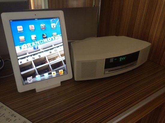 Le Grand Hotel: Un iPad, la chaîne Bose