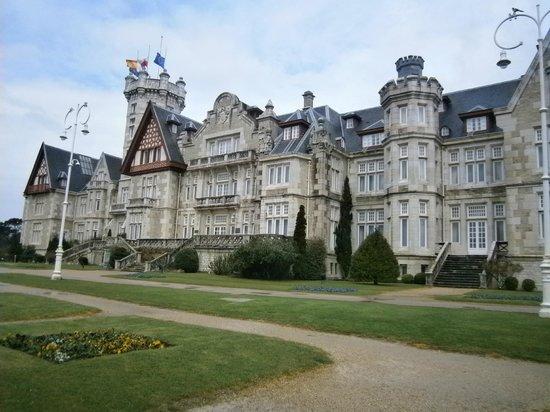 Palacio Real de La Magdalena: Palacio