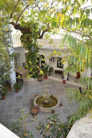 Karohi Haveli: Patio intérieur