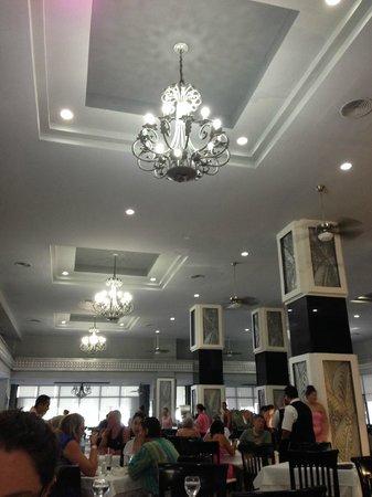 Hotel Riu Caribe: Buffet was beautifully decorated