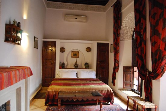 Riad Rafaele: Double bed in Suite Rafaele