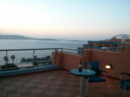 Dolmen Hotel Malta: So relxaing and beautiful....