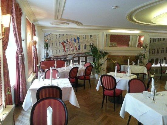 Café Sacher Innsbruck: замечательные интерьеры