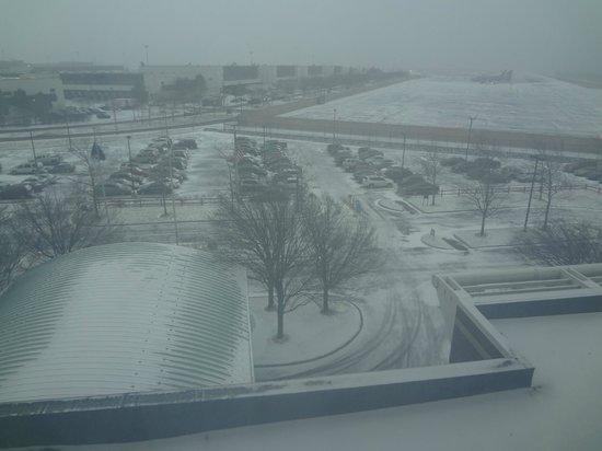 Hyatt Regency Boston Harbor : It did snow the second day of my visit