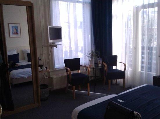 Hotel Fita: Camera tipo T, spaziosa
